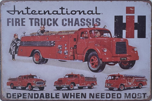 Retro metalen bord vlak - International fire truck chassis